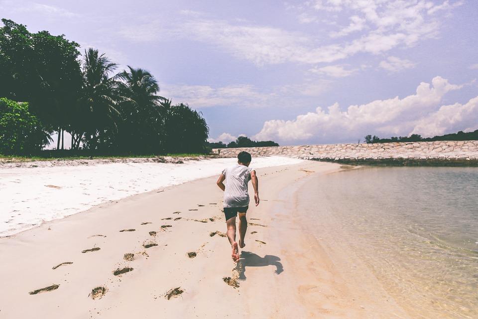 fernanda-souza-mais-magra-com-beach-training-e-cha-de-hibisco-praia